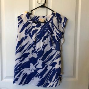 Michael Kors blue and white floral waved top sz 8